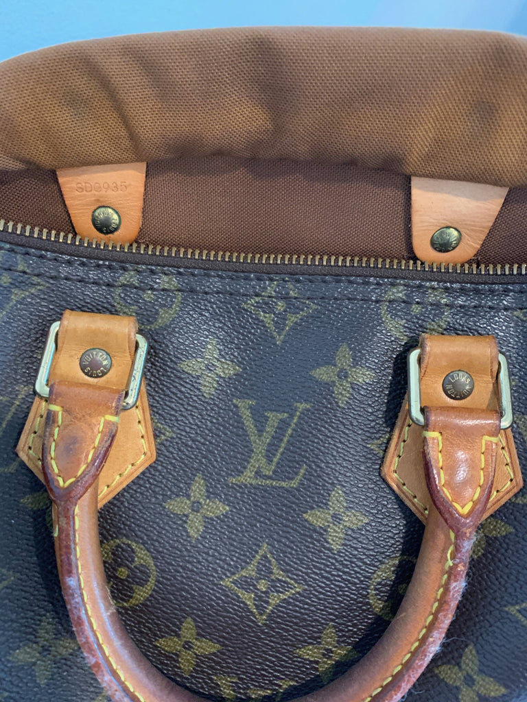 Authentic Louis Vuitton Brown Monogram Canvas Speedy 25 Bag Purse