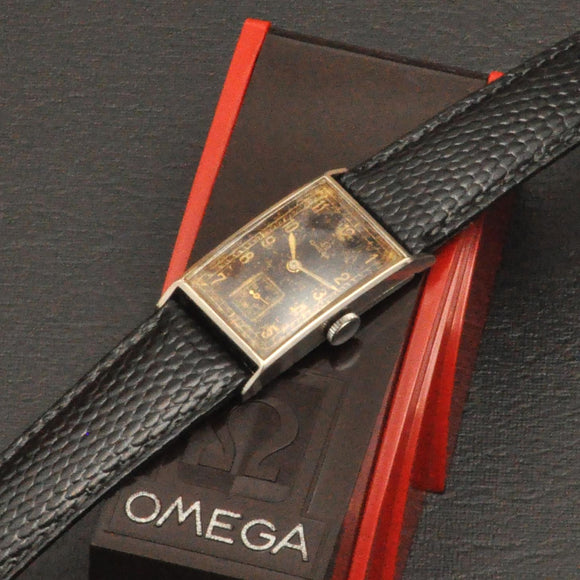 Omega T17 aprox 1936 with bakelite box