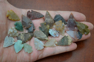 100 Pcs Tiny Small Assort Agate Stone Arrowheads