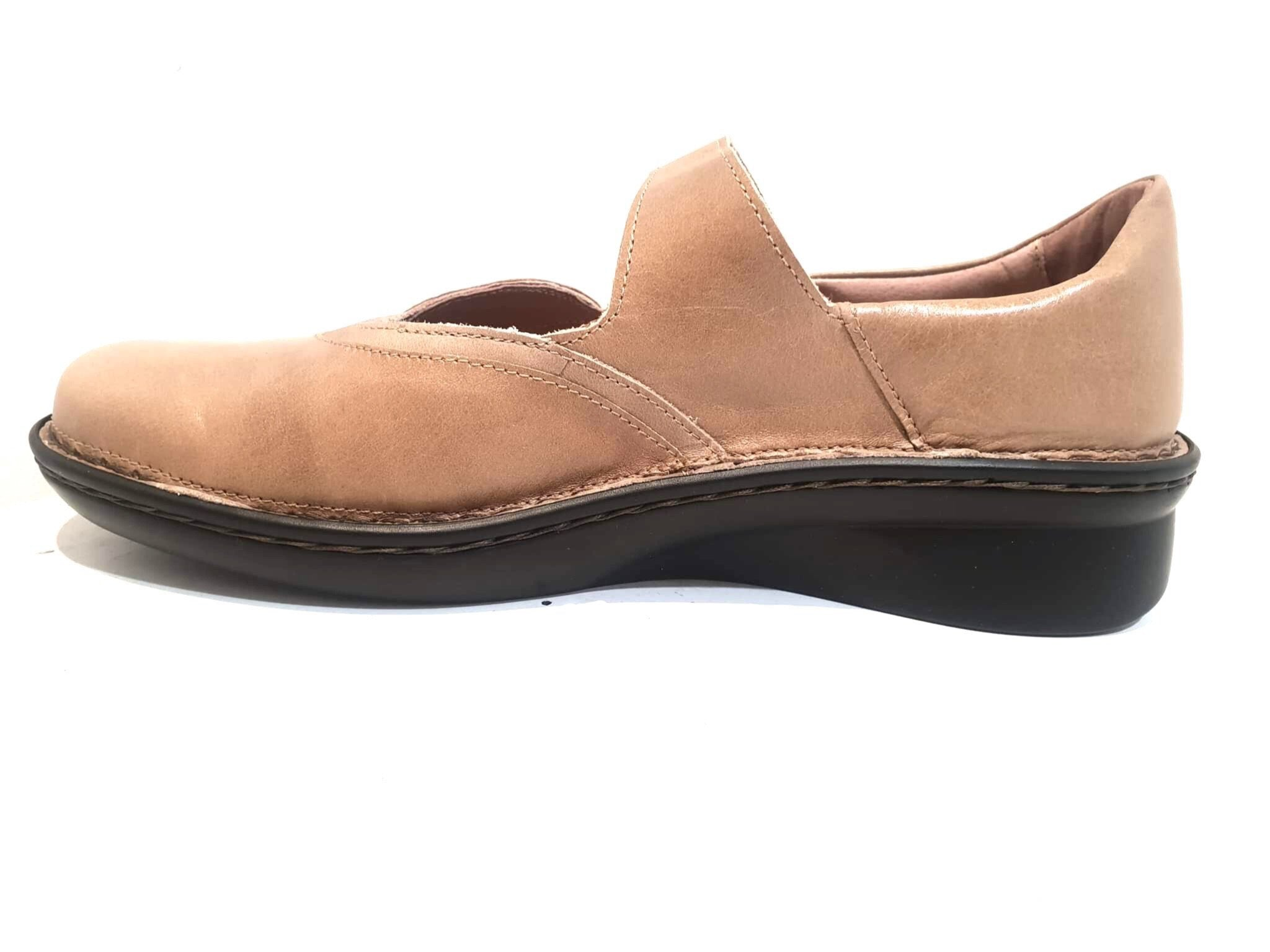 Naot Conga Tan Khaki Latte Leather Velcro Mary Janes Ladies Shoes Made In Israel