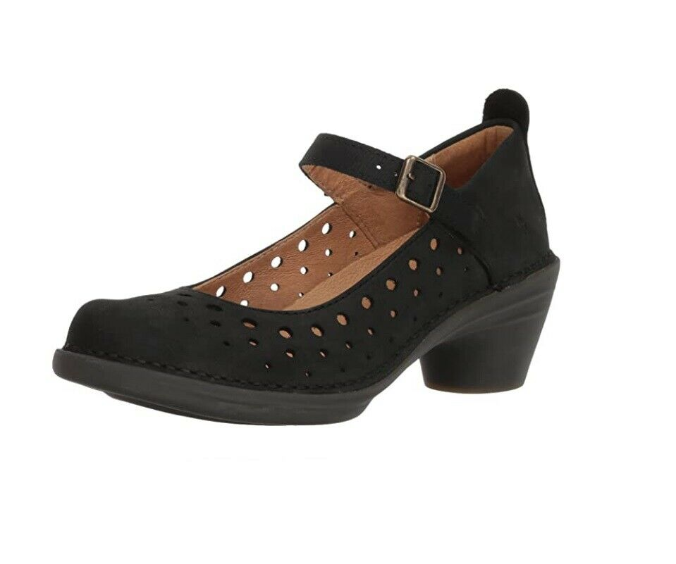 El Naturalista 5320 Black Court Shoe Made In Spain
