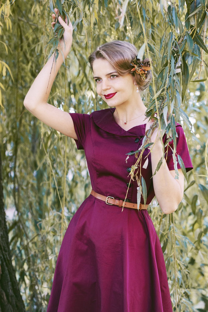 Laden Sie das Bild in den Galerie-Viewer, Burgundy Knopf Swing Kleid