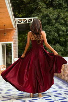 Langes  Burgundy Satin Kleid