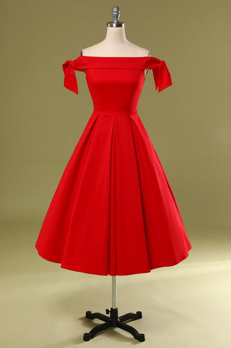 Rotes Schulterfreies Partykleid