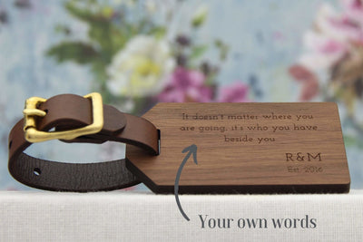 Luggage tag in wood personalised