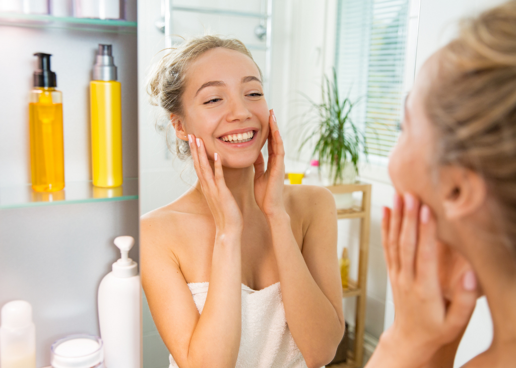 Simple Morning Routine for a Naturally Glowing SkinSKIIN Company