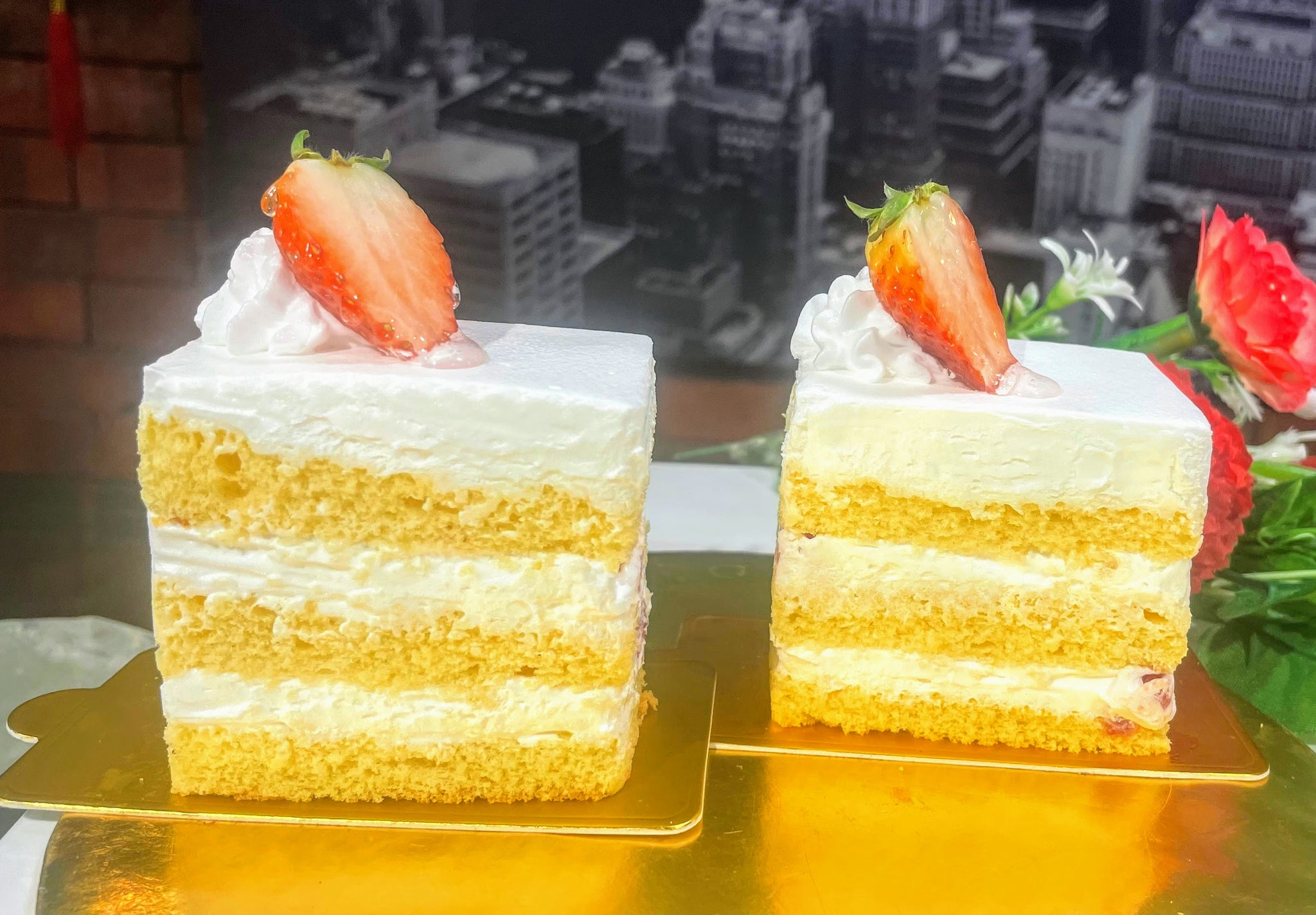 Strawberry Shortcake Sliced Cake (2 pcs)