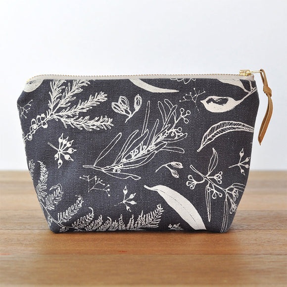 Gathered Pouch / Flat Bottom - Charcoal