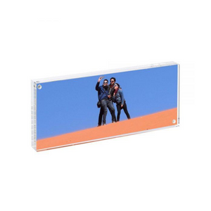 "The Original Magnet Frame®, Clear (4""x10"")"