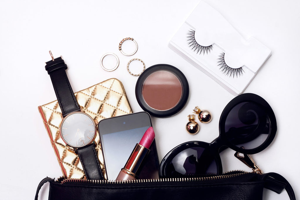 5 Purse Essentials for Women