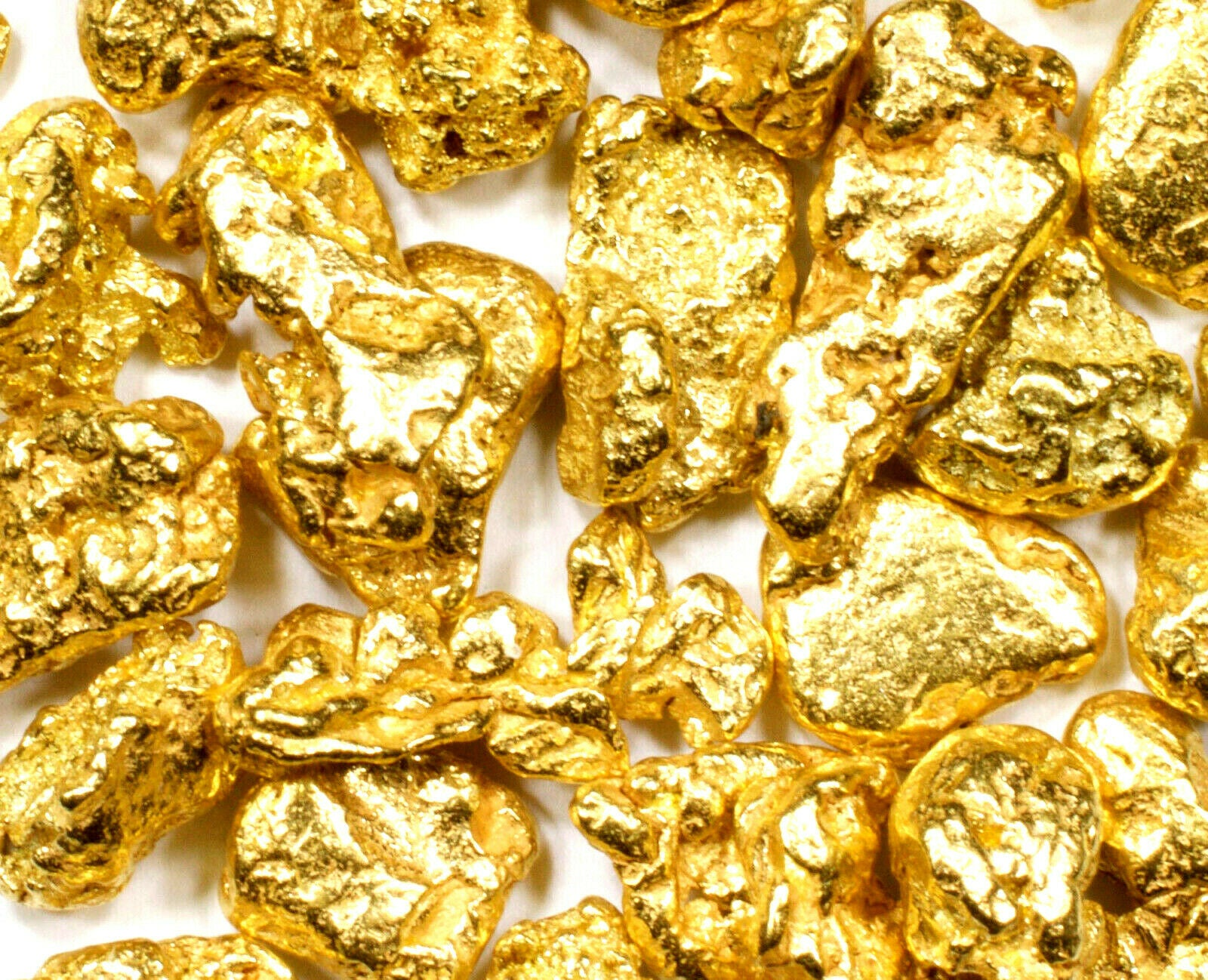WHAT ARE NATURAL GOLD NUGGETS AND WHY INVESTING IN GOLD IS A GREAT OPTION