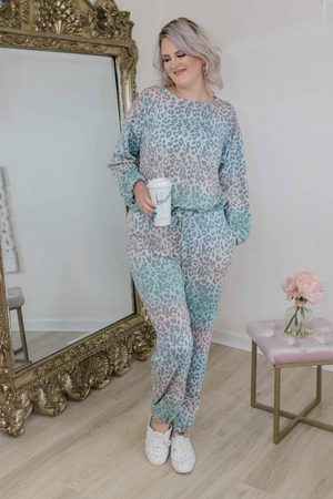 WONDERFUL THING ABOUT LEOPARD LOUNGE SWEATER