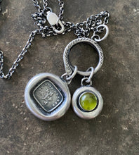 Load image into Gallery viewer, Cuislin mo Chroí, pulse of my heart.  My Sweetheart in Irish.  Irish language pendant with Shamrock.