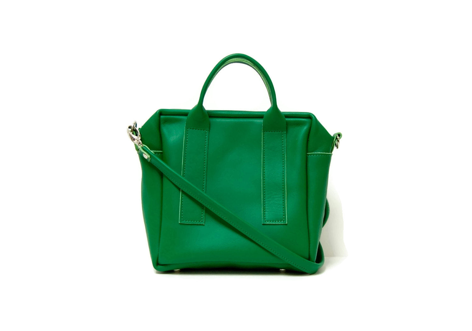 Box Bag in Italian green