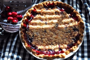 CHERRY PIE WITH SUGAR CRUMB TOPPING (FRESH/FROZEN PITTED TART CHERRIES)