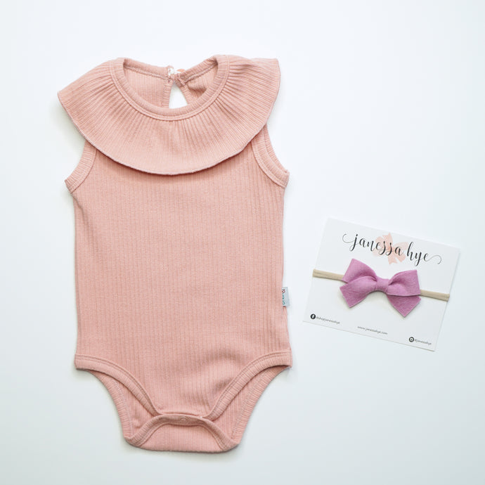 [Anak & I x Janessa Hye] Dawn Tulip Pink Ribbed Onesie with Headband Set