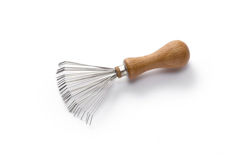Cleaner for Brushes made of Beech with Wire to Remove Hairs from the Brush