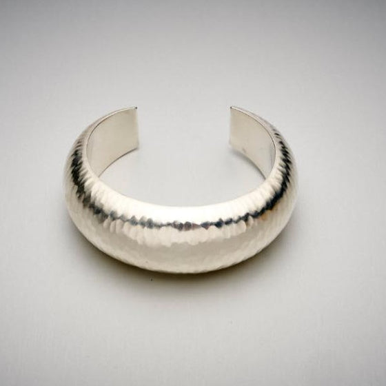 'Hammer' Bangle in Polished Finished Silver