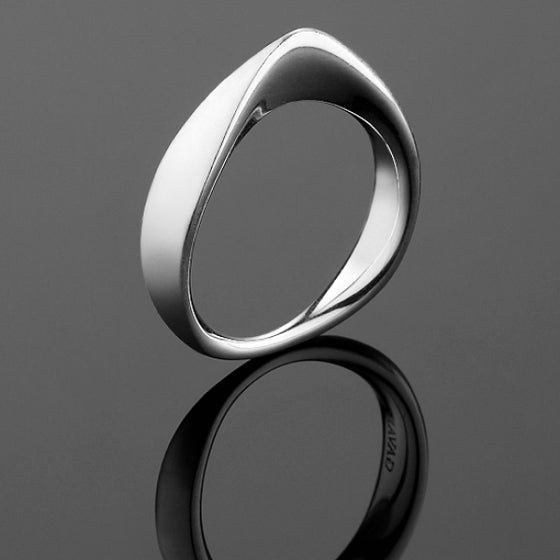 'Peak' Ring in Brushed Finished Silver