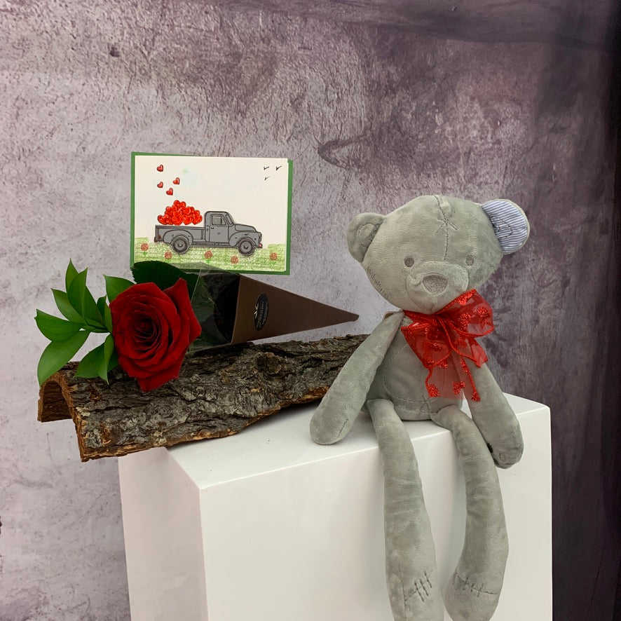 Valentines day cute gifts - Petalino Flower Bar & Events