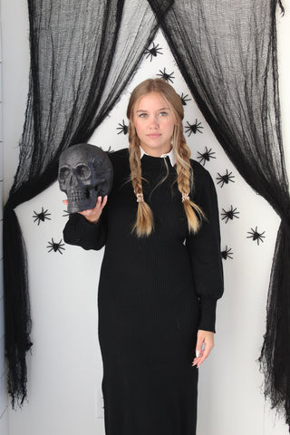 Easy costume with normal clothes idea: Wednesday Addams in a black Niche+Co dress