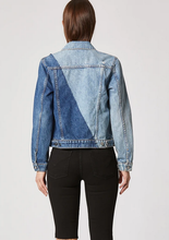 Load image into Gallery viewer, CLASSIC FITTED TRUCKER JACKET