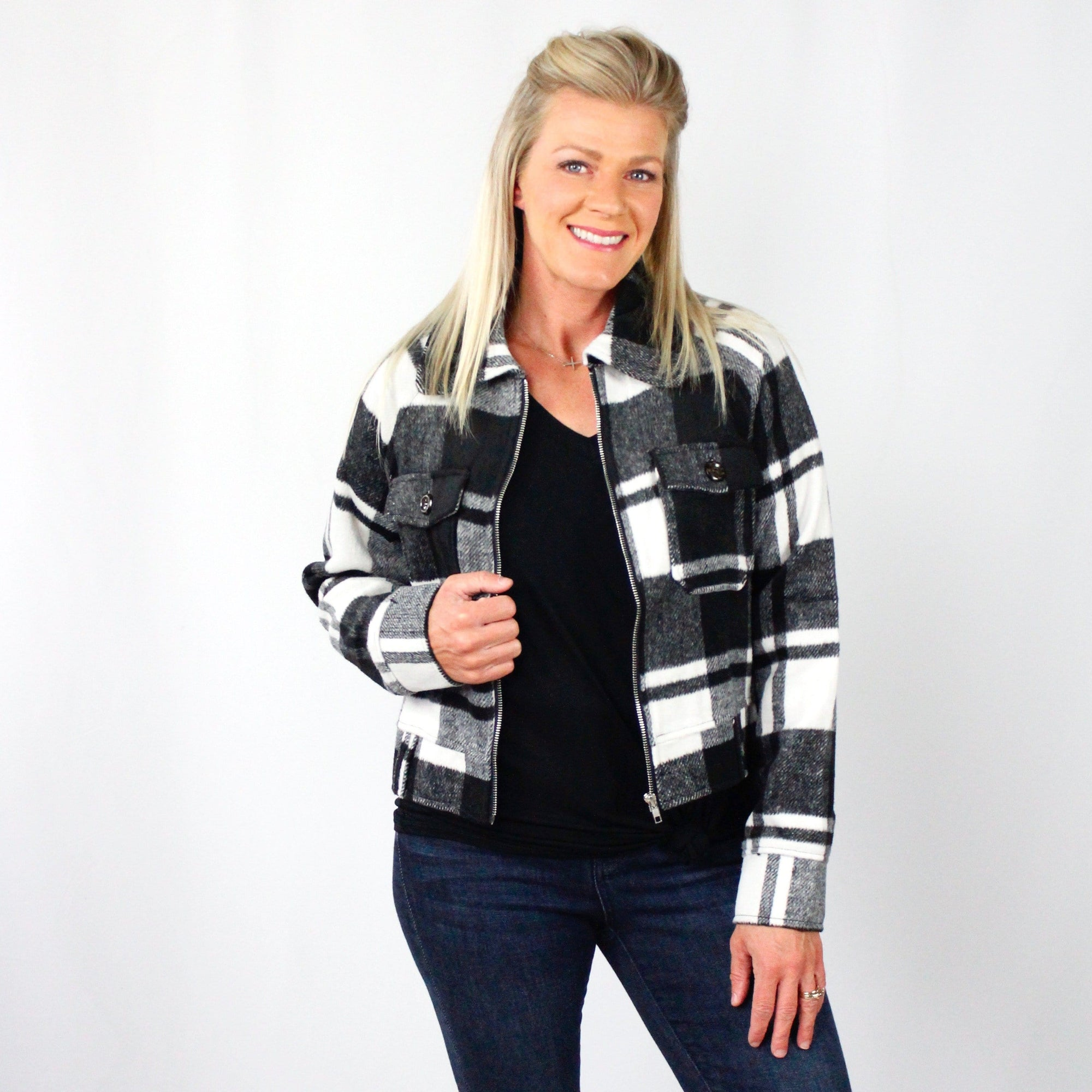 Black & White Plaid Zipper Jacket