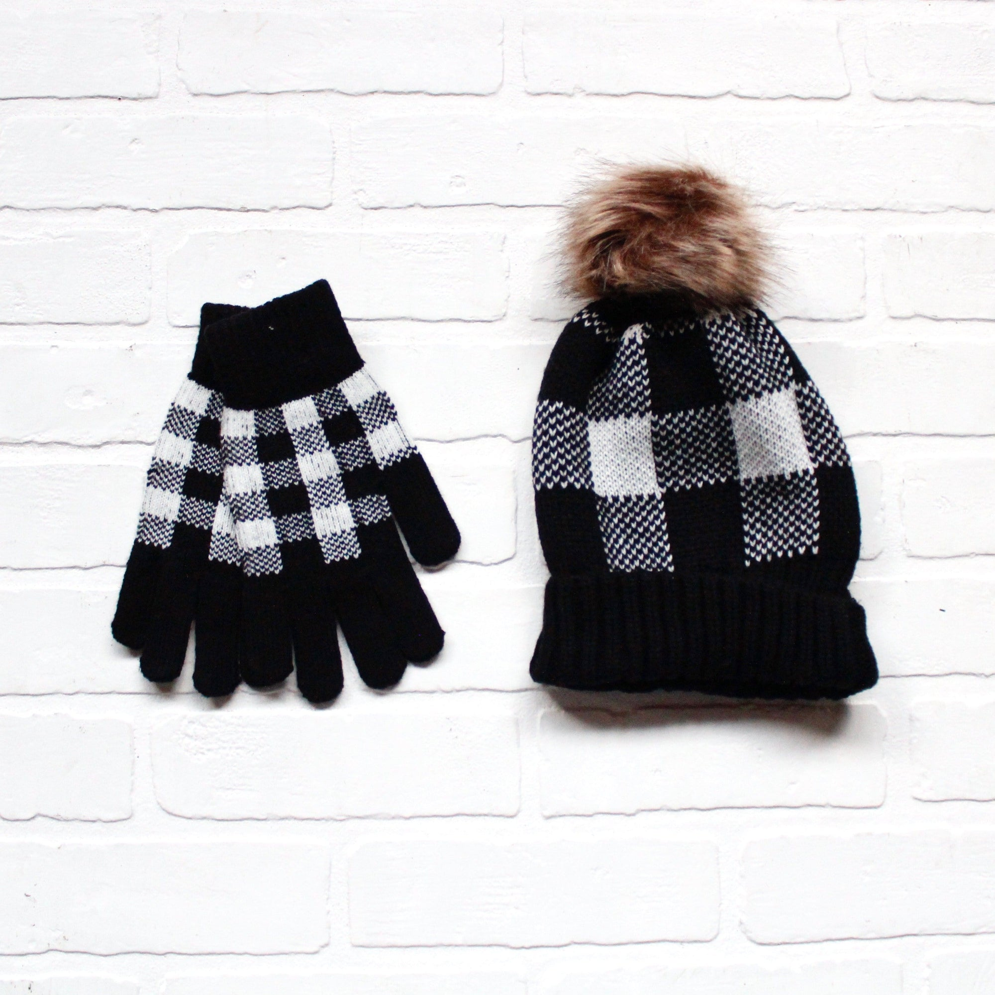 Buffalo Plaid Pom Hat Glove Set