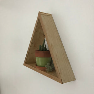 Triangle shadow box shelf