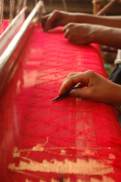 The Art of Weaving a Jamdani Saree