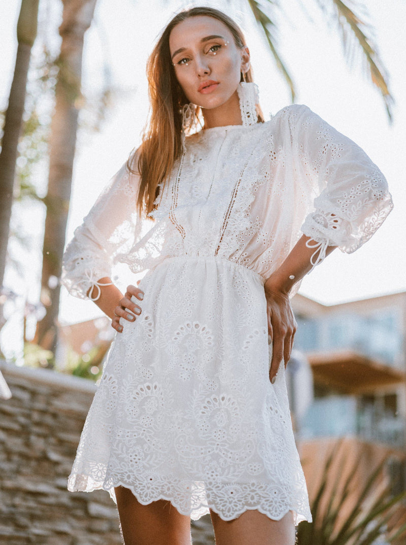 Lola White Lace High Collared Dress Clothing m-usefashion