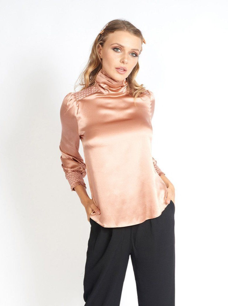 Fíona 100% Silk Turtleneck Blouse Clothing m-usefashion