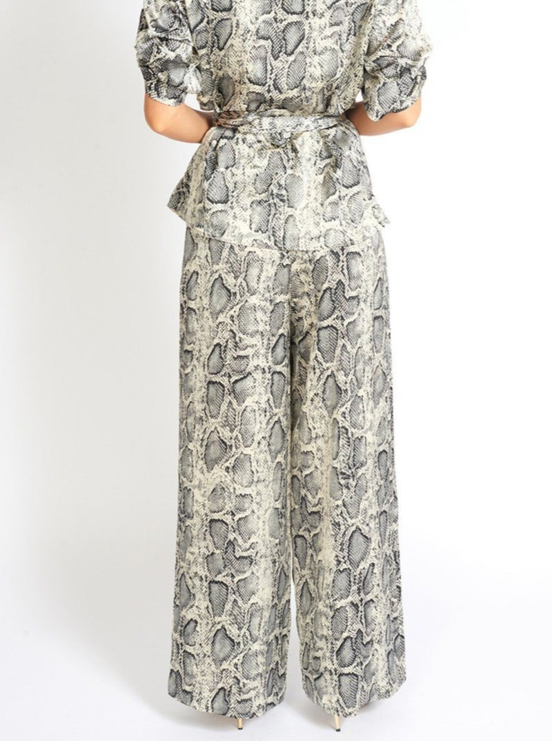 Snake A Pose Wide Leg Pants Clothing m-usefashion