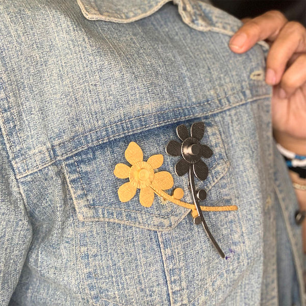 flower gold pin