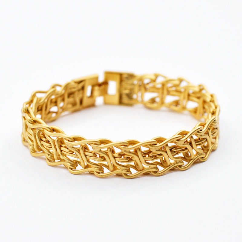 Thick gold chain bracelet