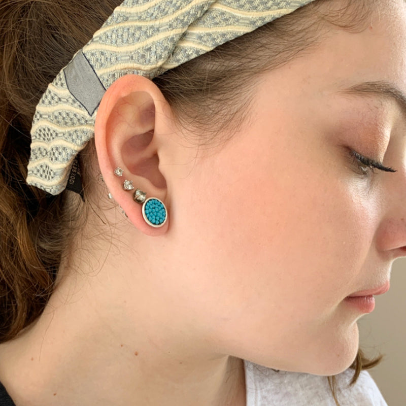 Silver round stud earrings with turquoise Swarovski crystals