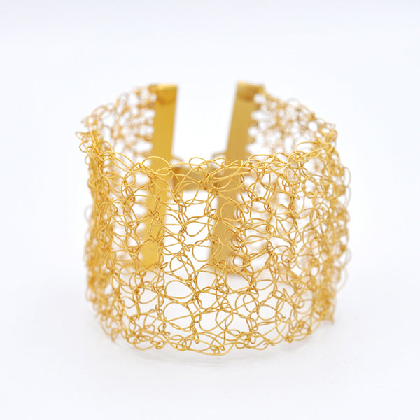 Thick gold wire crochet bracelet