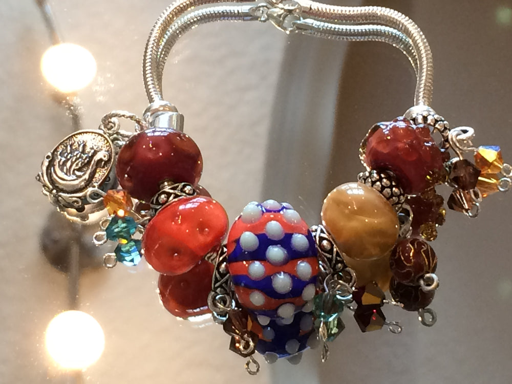 Load image into Gallery viewer, Gator Sparkle Glass Bead Charm Sterling Silver Bracelet