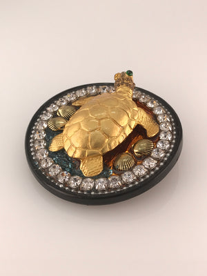 Load image into Gallery viewer, Golden One Green-eyed Beach Turtle: Rhinestone, Resin Upscale Belt  Buckle