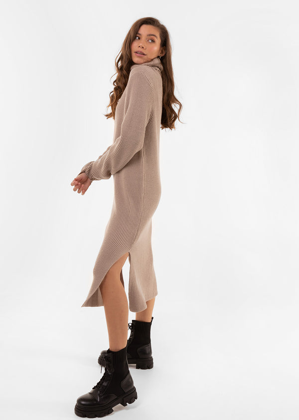 SPLIT THE KNIT DRESS