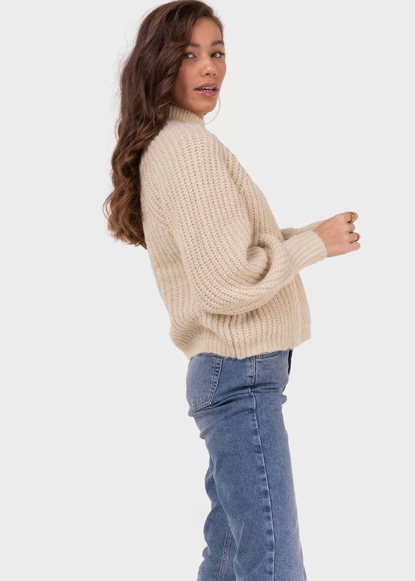 THE KNITTED FAVE | SOFT SAND