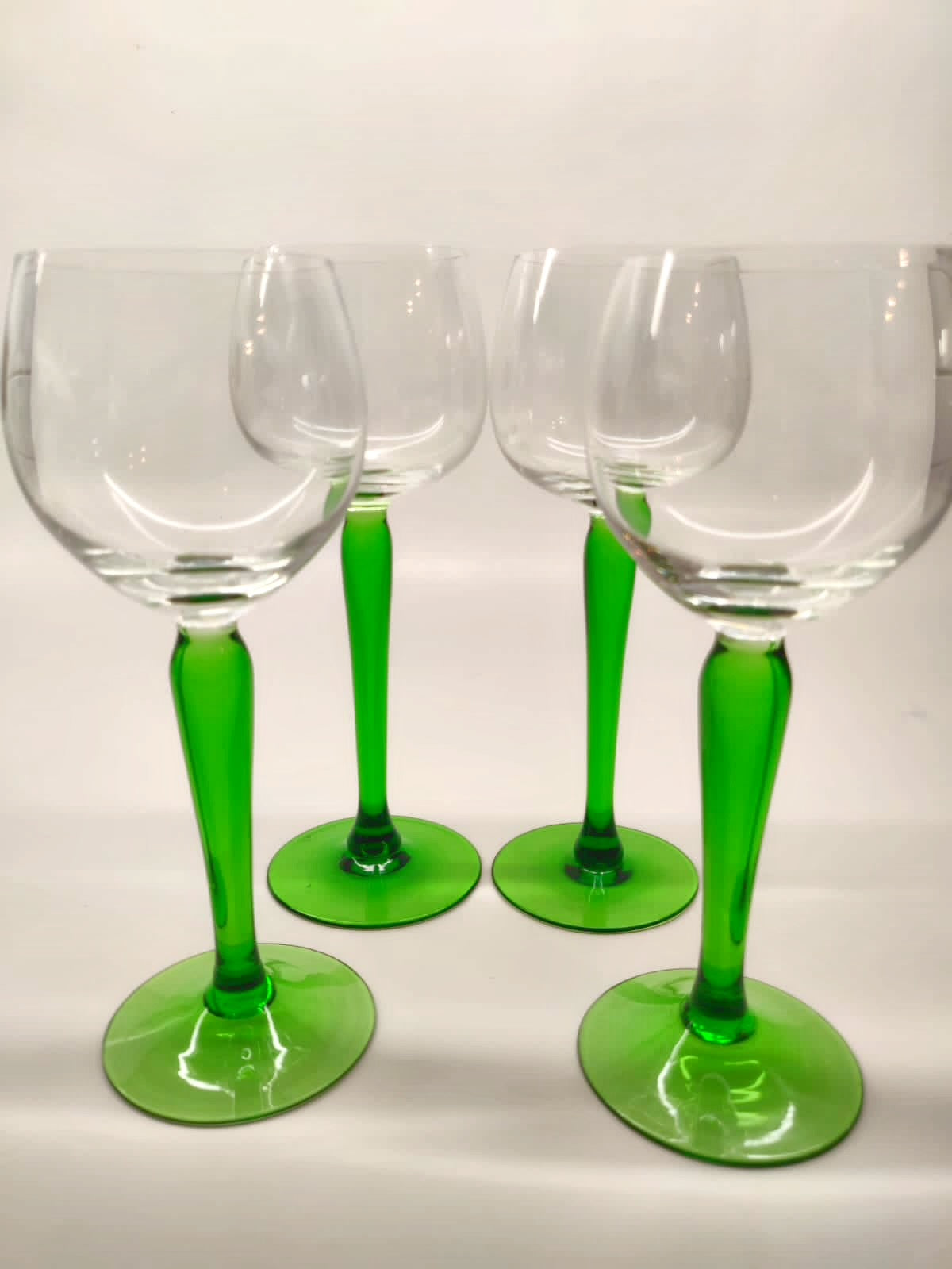 The Stormi Green Wine Glass