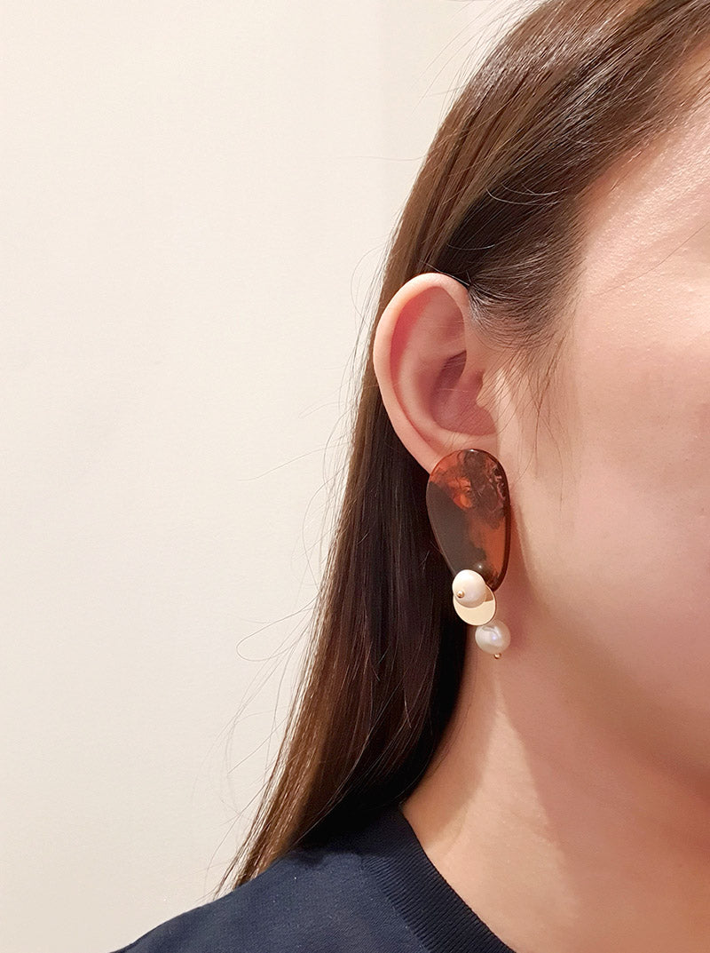 Cora Drop Earrings in Amber