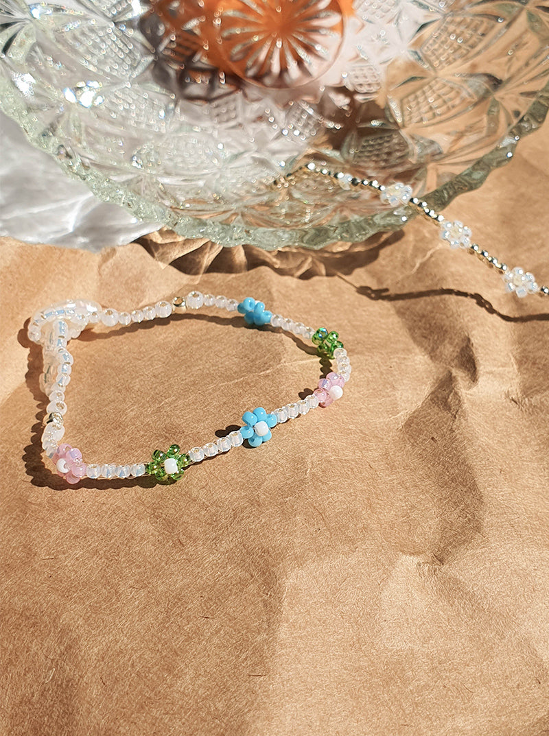 Little Daisy Bracelet in Rainbow