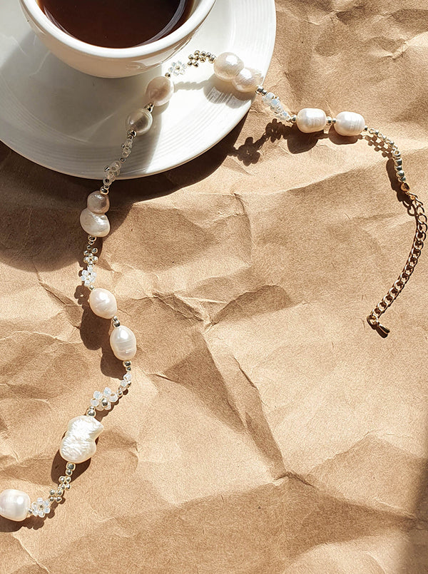 Vaani Pearl Necklace