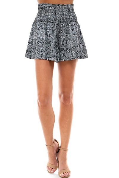 Connelly Shorts, black snake print