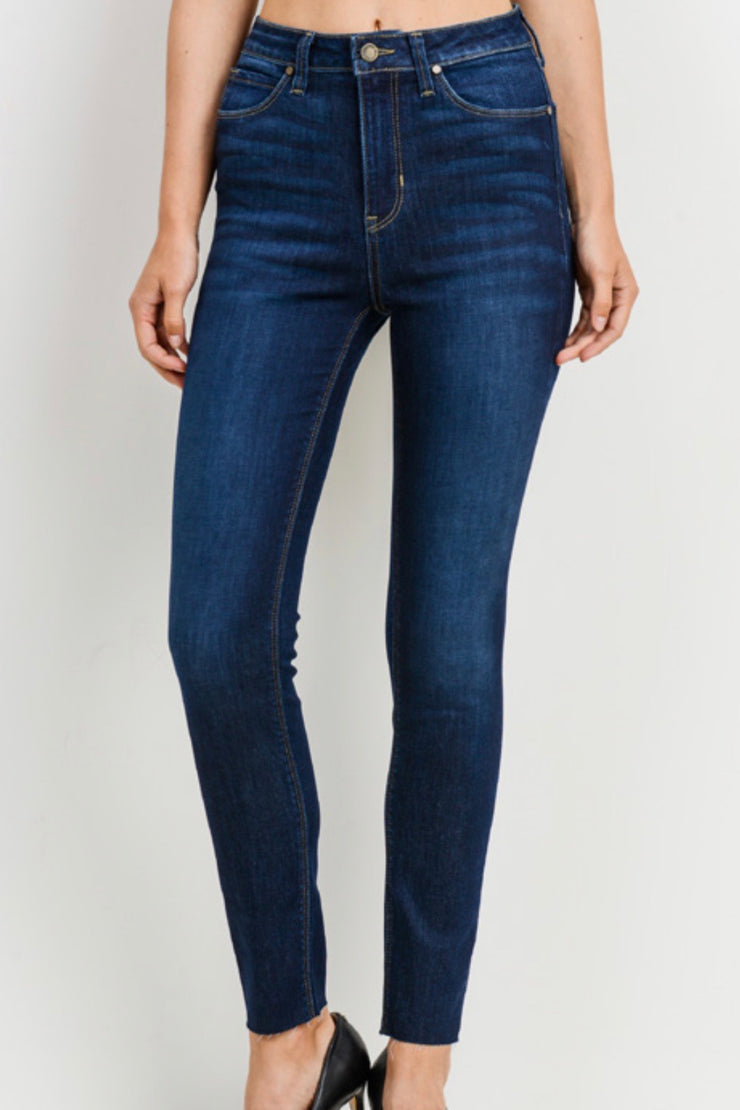The Magic scissor cut jeans, dark wash.