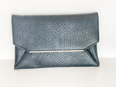 Wynne clutch, black