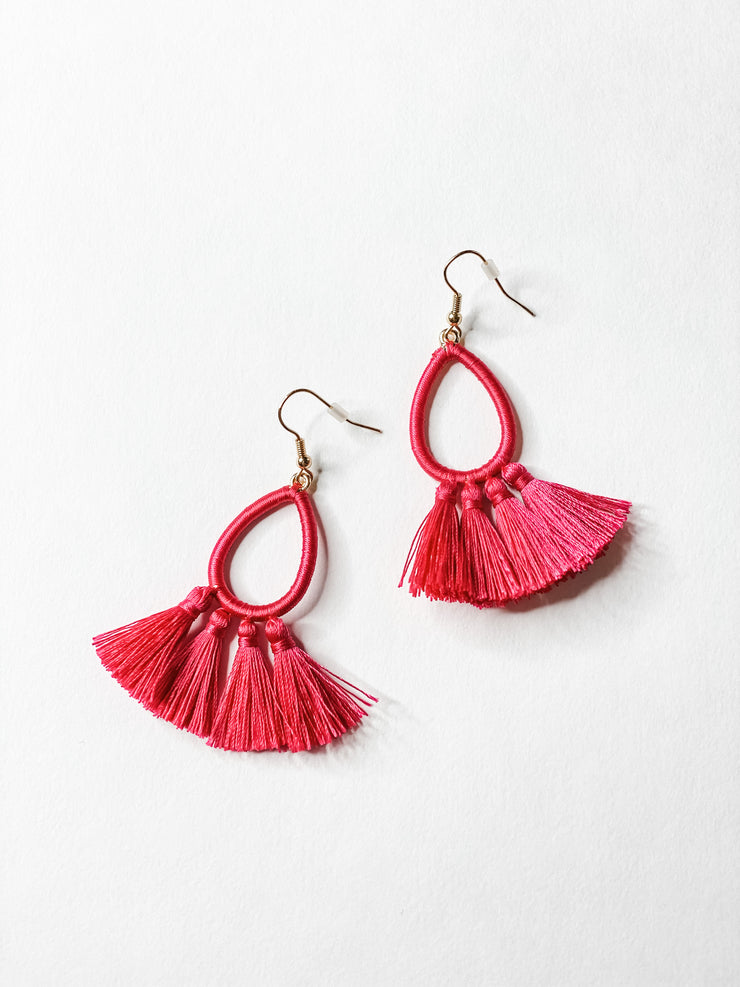 Thread tassle drop earrings, pink