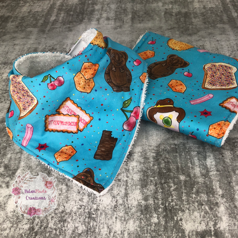 Aussie treats - bib and burp cloth set